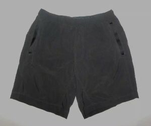 LULULEMON MENS SHORTS GRAY POCKETS LINER DRAWSTRING WAIST RUNNING WORKOUT sz M
