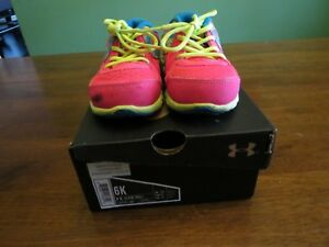 EUC Under Armour UA G INF Thrill L girls baby shoes Toddler 2T Pink 6 K 6K Camo