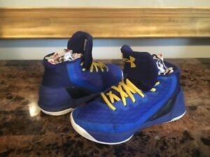 Boy's Under Armour Athletic Ankle Shoes Size 2Y Multi-Color Synthetic