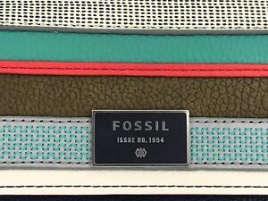 Women's FOSSIL Brand LARGE Blue Striped DAWSON LEATHER Wallet - $90 MSRP