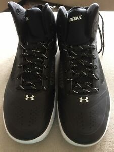 Under Armour Basketball Shoes Size 7.5 BoyGirl NWOT