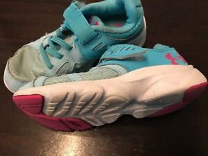 Under Armour Infant Girls Shoes Size US 11C Blue  Pink  White Retail $46