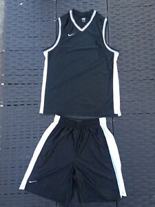 Nike dry fit basketball shorts And Vest size large Nikefit Dry