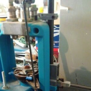 Dillon 550B 4 Station Reloading Press- including reloading dies and more!