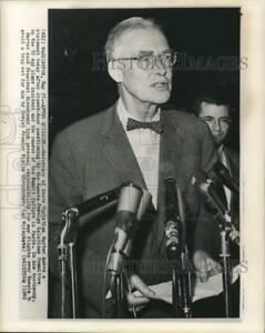 1960 Press Photo Secretary of State Christian Herter at news conference