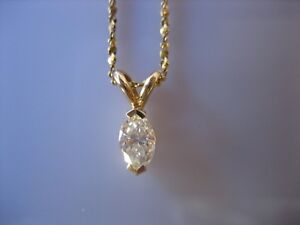 ESTATE VINTAGE 14K YELLOW GOLD SOLITAIRE MARQUISE DIAMOND PENDANT NECKLACE