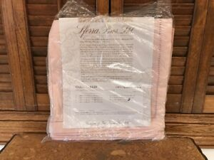 "Sferra Bros. Pink Napkins 10-22"" Square Jacquard Finish"