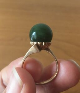 ANTIQUE 14K Yellow Gold 3D Ball Genuine Green Jade Bullet Ring 6.3 grams