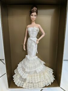 BARBIE VERA WANG BRIDE THE ROMANTICIST DOLL 2008 GOLD LABEL