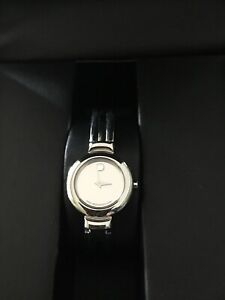 MOVADO MUSEUM MIRROR DIAL STAINLESS STEEL LADIES BRACELET WATCH 84.A1.809.A