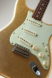 Fender CS 1964 Master Design Stratocaster Relic Gold Sparkle designed 2006