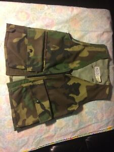 DUNNS OF TENNESSEE Camo Youth HuntingShooting Vest Medium