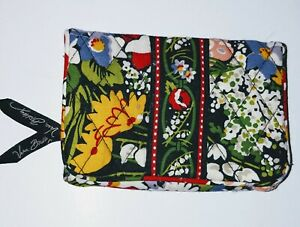 Vera Bradley Poppy Fields Bifold Kisslock Wallet Coin ID Magnetic Closure NWT