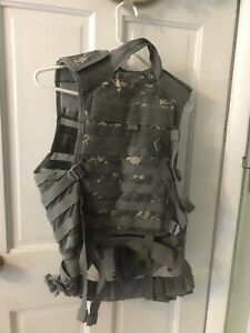 FISHING HUNTING NEW  CAMO  VEST Nc STAR CLIP BUCKLES-  VELCRO- ZIP MESH POCKETS