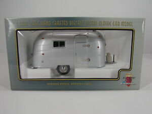 MOTOR CITY CLASSICS HAND CRAFTED CAMPING TRAILER  118 NEW AND SEALED MINT BOX