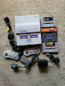 Super Nintendo Entertainment System With 2 games-SNES Console made in Japan.