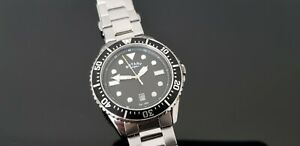 Rotary Stainless Steel Gents Divers Style Bracelet Watch with Luminous Dial.