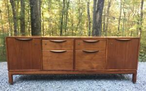 Mid Century Modern Jens Risom for Risom Design Inc. Walnut Credenza Room Divider