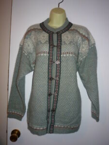 SQUAW VALLEY 100% Wool Norwegian Cardigan Sweater SZ MED METAL CLOSURE