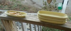 set of 4 Corn on the cob dishes in excellent condition Yellow Ceramic W/8 Forks