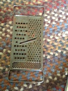 VTG  Flat Metal Antique Cheese Vegetable Grater Shredder Slicer Country Farm