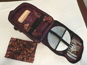 Picnic Time Picnic Backpack Set with Wine Holder & Accessories ~ Burgandy