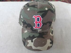 BOSTON RED SOX  MLB CAMOUFLAGE  HAT ONE SIZE FITS ALL.