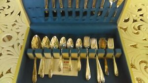 Beautiful vintage Flatware set in box Daffodil Rogers service for 8