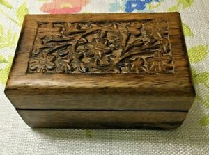CARVED WOOD SMALL BOX MADE IN INDIA $7.99