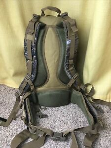Camouflage Oak Hunting Backpack With Rifle Holder and Waist Belt Padded 50 Liter