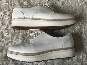 Clarks Oxfords White Leather Womens 10M $15.00
