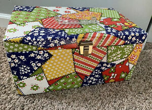 Vintage 60s 70s Flower Power Retro Quilted Sewing Box #x27;quilt design#x27; Vinyl cover $22.00