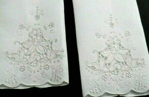 Madeira Embroidery Linen Guest Towels 2 16x10.5quot; Handwork w Daffodils Vintage $24.00