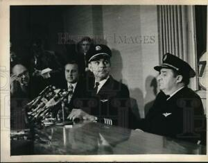 Press Photo Airline officials hold press conference after Albany NY hijacking $13.88