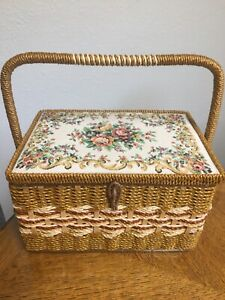 Vintage Style Singer Floral sewing basket. Tray Included. $21.98