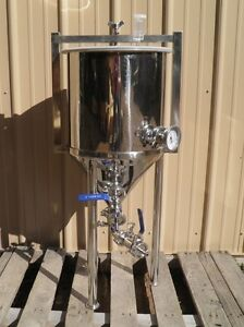 8 Gallon Conical Fermenter w/ thermometer, Home Brewing, Beer, Stainless Steel