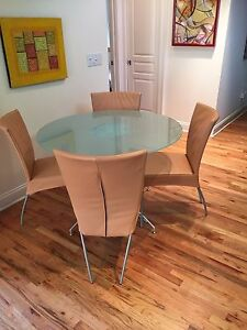 Beautiful Contemporary Breakfast Table Set  - Impeccable Condition!!!