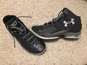 Stephen Curry AUTHENTIC GAME USED Signed AUTO Under Armour Basketball Shoes MVP