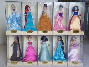 LOT of ALL 16 DISNEY DESIGNER DOLLS 10  PRINCESSES & 6 VILLIan bags included.