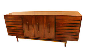 Mid Century Modern American of Martinsville Dania Collection Louvered Walnut Cre