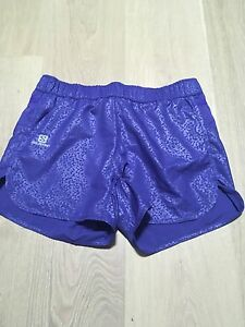 Women's Salomon Trail Running Shorts Size XS NWT Multiple Pockets Fitness
