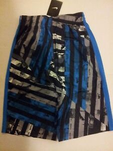 New  Nike Boy's Training shorts Size L  DRY-FIT 811581-406
