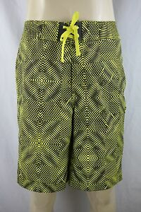 NWOT Under Armour Men's Active Board Shorts Size 36