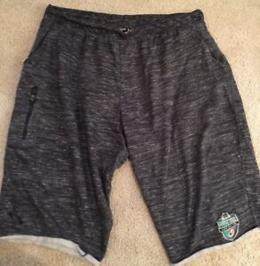 USE UNDER ARMOUR FITTED TEAM ISSUED NOTRE DAME FOOTBALL SHORTS 2XL MUSIC CITY BW