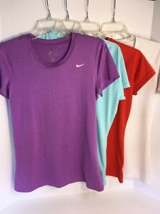 UNDER ARMOUR V NECK HEATGEAR ATHELETIC SHIRTS W 1 NIKE DRY FIT T SHIRT SZ SMALL