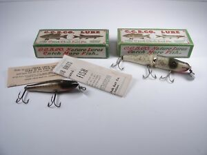 2 VINTAGE CREEK CHUB WOOD FISHING LURES IN BOXES