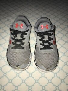 Youth Boys Under Armour Tennis Shoes Size 12 Gray & Red