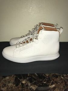 Under Armour  Men´s Clasisic Leather Sneaker Whitegum Dead Stock SIZE 11.5NEW