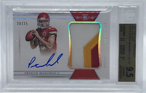 2017 National Treasures PATRICK MAHOMES ROOKIE PATCH AUTO SILVER #2025 BGS 9.5