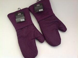 New All Clad Set of Two Heavy Silicone Oven Mitts Washable - Plum